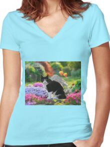 Garden Cat Women's Fitted V-Neck T-Shirt
