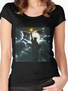 Statue of Liberty with American Flag Women's Fitted Scoop T-Shirt