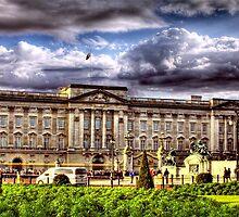 Buckingham Palace by Dane Walker