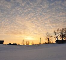 The sky's aglow by mltrue