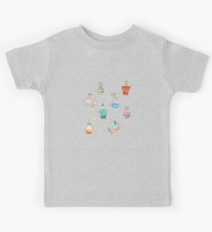 Pretty Perfumes - a pattern of vintage fragrance bottles Kids Tee