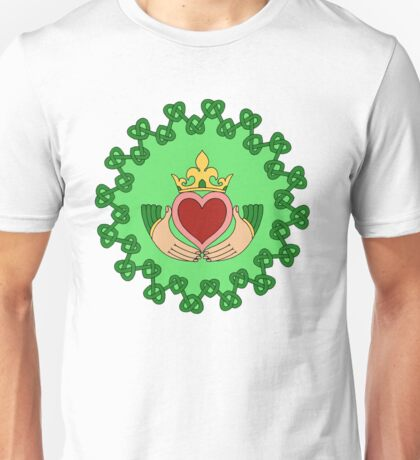 Claddagh and Knotwork Green Unisex T-Shirt