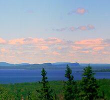 Lake Superior, Ontario by Elfriede Fulda