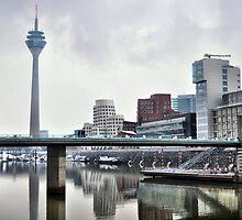 Icy Düsseldorf by astrolabio