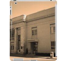 Vintage Bank Building, Niles, Ohio iPad Case/Skin