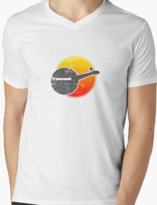 USS A One Space Discovery Odyssey Approach 2001 Light Mens V-Neck T-Shirt