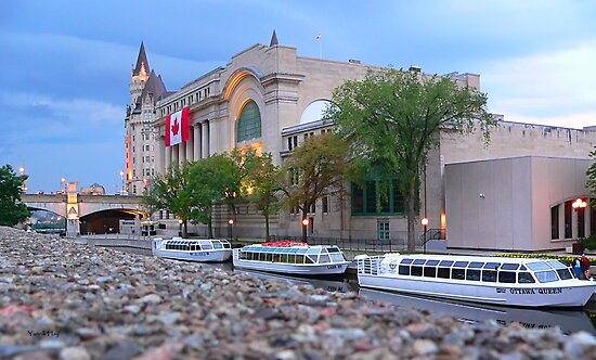 Conference Center and the Rideau Canal, Ottawa by Yannik Hay