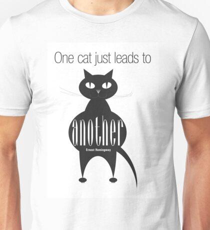 The Well-Read cat - 4 Unisex T-Shirt