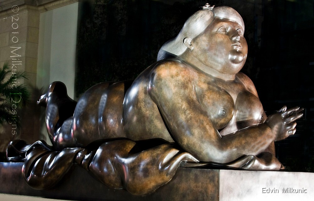 Smoking Woman by Fernando Botero, 1987 in bronze by Edvin  Milkunic