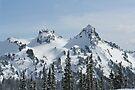 Tatoosh Mountains by skreklow