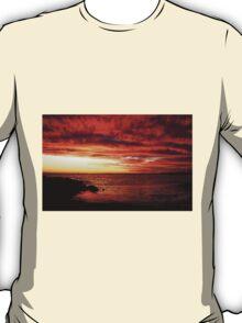 Red Sky at Night, Elwood Beach T-Shirt