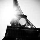 Parisian Halo by dansLesprit