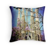 La Sagrada Familia Throw Pillow