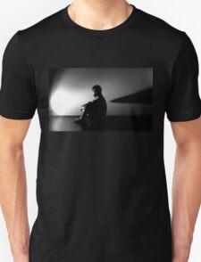 Alien Contemplation  T-Shirt