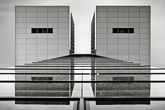 KRANHAUS | 02 by Frank Waechter