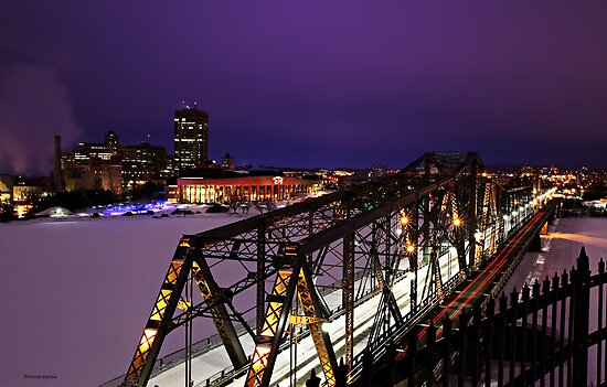 Alexandra Bridge and Gatineau by Yannik Hay