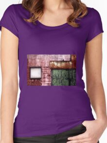 Old building facade, Richmond Women's Fitted Scoop T-Shirt