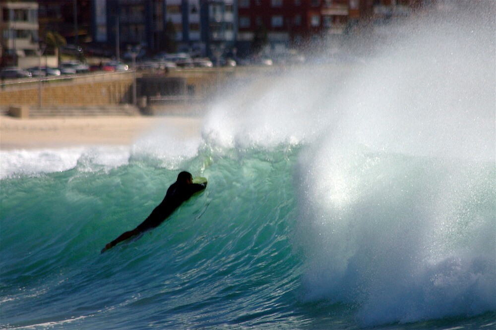 Maroubra Waves by Vit Novacek