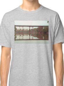 Railway Bridge over Melton weir Classic T-Shirt