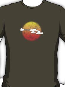Star Empire Battle Cruiser D7 Flyby - Dark T-Shirt