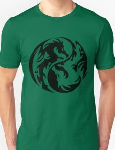 Dragon yin yang. T-Shirt