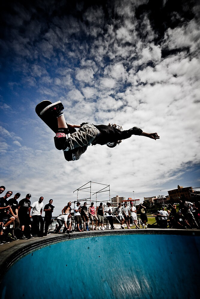 Cory Juneau doing AIR in Bondi Bowl by Martin K. Lee