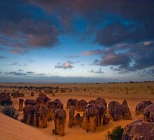Valley of the Pinnacles - Western Australia by Malcolm Katon