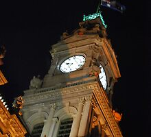 Bendigo Clock Tower at night. by Lozzar Flowers & Art