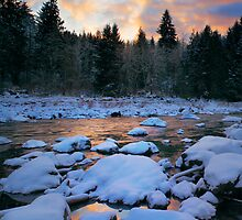 Snoqualmie River by Inge Johnsson