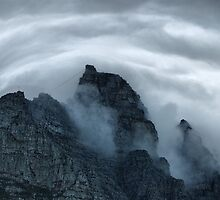 Table Mountain Clouds by Selsong