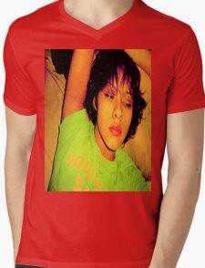 Holly - MaraMora Mens V-Neck T-Shirt