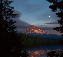 Card: Mount Hood Sunset Over Lost Lake by USGolfers