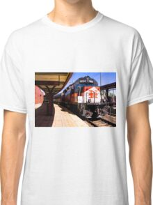 Pulling Into New London Classic T-Shirt
