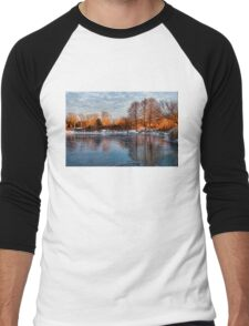 Cold Ice, Warm Light – Lake Ontario Impressions Men's Baseball ¾ T-Shirt