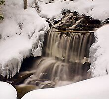 Wagner Falls Frozen 2 by Chintsala