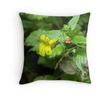 Monkey flower_Fern Canyon Throw Pillow