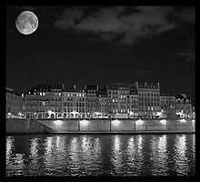 Moonlight and Île Saint-Louis by Louise Fahy