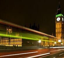 London by night by Mario Curcio