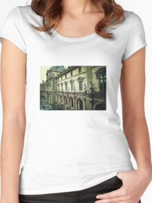 Paris The Louvre  Women's Fitted Scoop T-Shirt