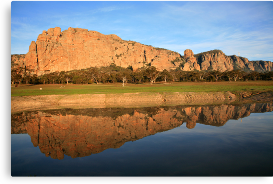 Mt Arapiles, the Rock Climbing icon of Australia by Michael Boniwell