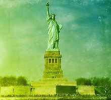 Statue of Liberty by heavenideas
