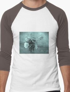 Roses and buddleias in a vase Men's Baseball ¾ T-Shirt