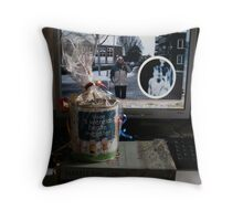 """""""The world's best teacher."""" -How did she know?  Throw Pillow"""
