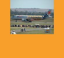 """""""Powderfinger"""" Airbus A320 @ Avalon Airshow 2010 Unisex T-Shirt"""