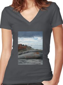 The unique Bay of Fires, Tasmania Women's Fitted V-Neck T-Shirt