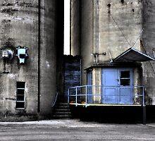 Berns St Entrance by Kim  Calvert