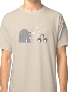 Elephants & Penguins love bubbles. Classic T-Shirt