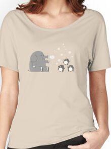 Elephants & Penguins love bubbles. Women's Relaxed Fit T-Shirt