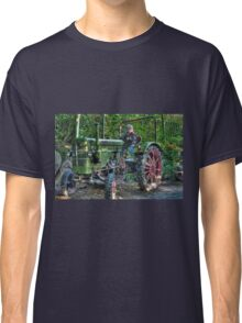 Old Tractor - HDR Classic T-Shirt