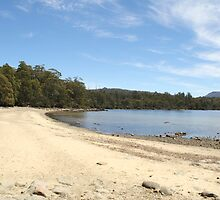 Lake St Clair Tasmania by Sprinkla